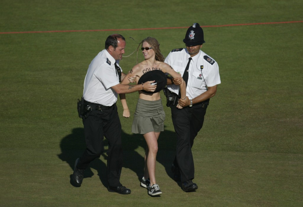 Sports Streakers - The Naked Truth-5442