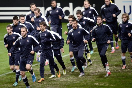 Dinamo Zagreb players take part in a training session at the Parc des Princes