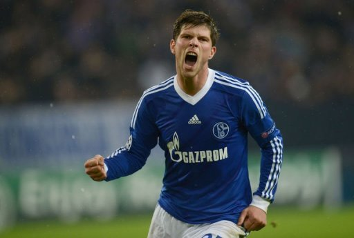 Schalke's Klaas-Jan Huntelaar celebrates scoring