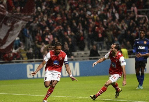 Braga's Alan Silva (L) celebrates after scoring