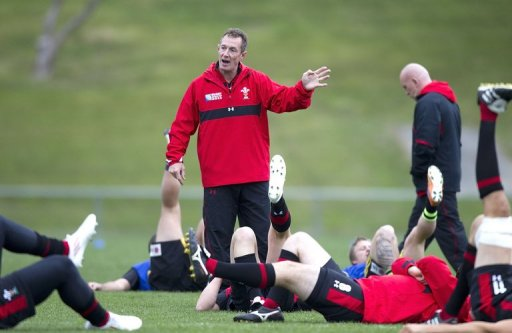 Interim Wales head coach Rob Howley (C), pictured during a team training session in Wellington, in 2011