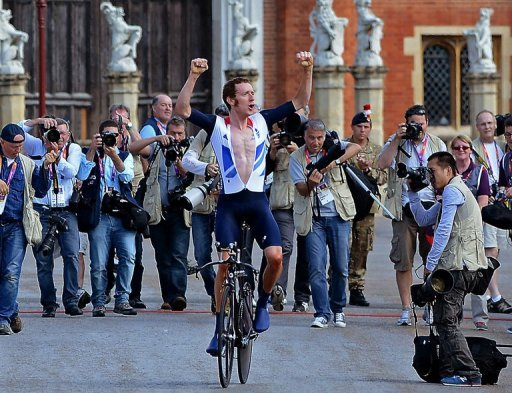 Wiggins celebrates winning the Olympic gold in London in August