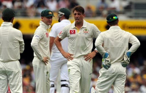 South Africa lost the wicket of skipper Graeme Smith (3rd-L) but made a steady start to the first Test against Australia
