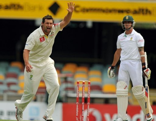 The Proteas lost four for 52 during part of the middle session
