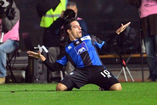 Atalanta's Giacomo Bonaventura celebrates after scoring