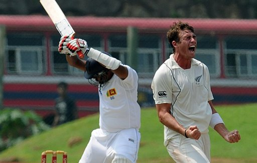 Tim Southee (R) removed Tharanga Paranavitana and Suraj Randiv in his opening two overs, followed by Thilan Samaraweera