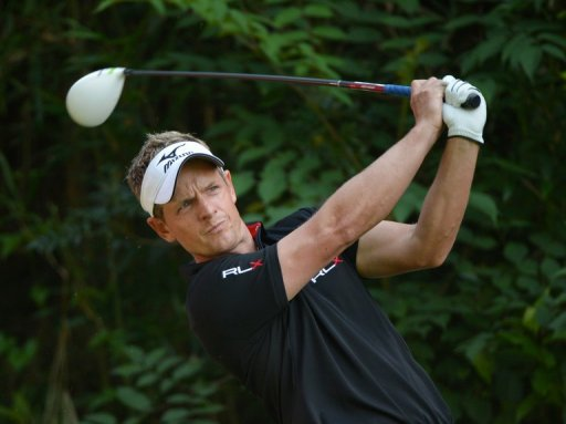 Luke Donald ended five strokes clear of Hideki Matsuyama at the Dunlop Phoenix 2012 in Japan