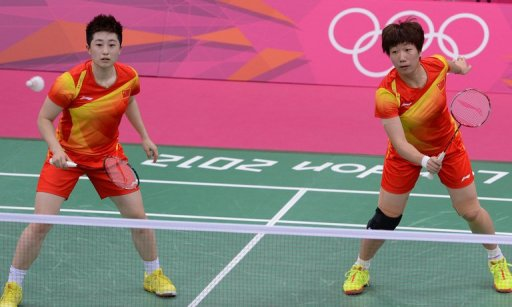 Yu Yang (L), who will compete with Wang Xiaoli (R) at this week's Hong Kong Open, now insists she never retired