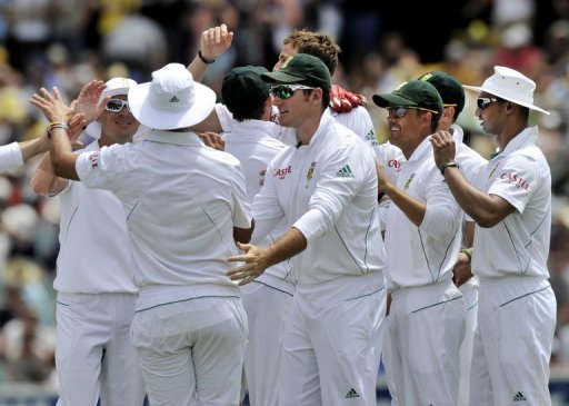 South Africa were three without loss in their first innings at lunch after dismissing Australia for 550