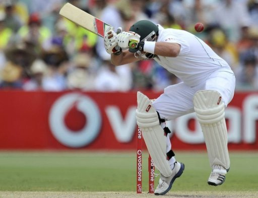 The injured Jacques Kallis was batting at number nine as South Africa struggled
