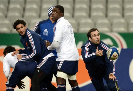 France aim to complete a clean sweep of wins in their autumn internationals for the first time since 2005