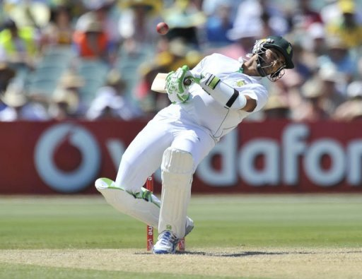 The Proteas went into the third day at 217 for two but quickly unravelled, losing three wickets in four overs