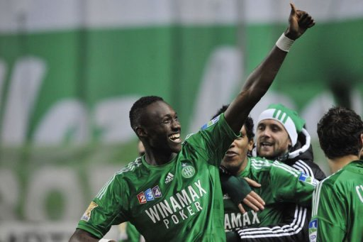 Saint-Etienne's Josuha Guilavogui celebrates during the match