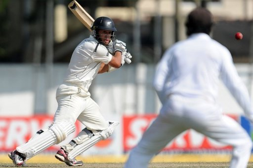 Ross Taylor scored 53 not out to help New Zealand to 154 for 5 in their second innings at tea