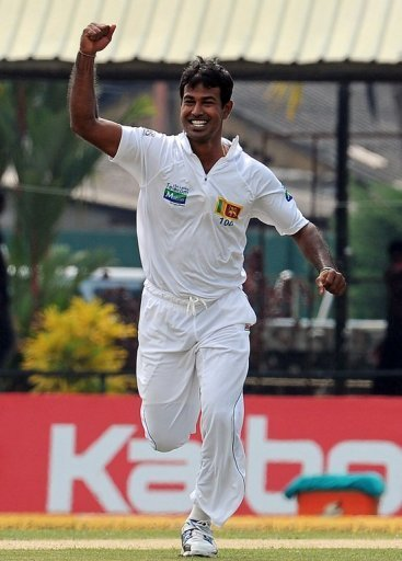 Nuwan Kulasekara had Kane Williamson (18) caught by Tharanga Paranavitana in the slips and then trapped Daniel Flynn LBW