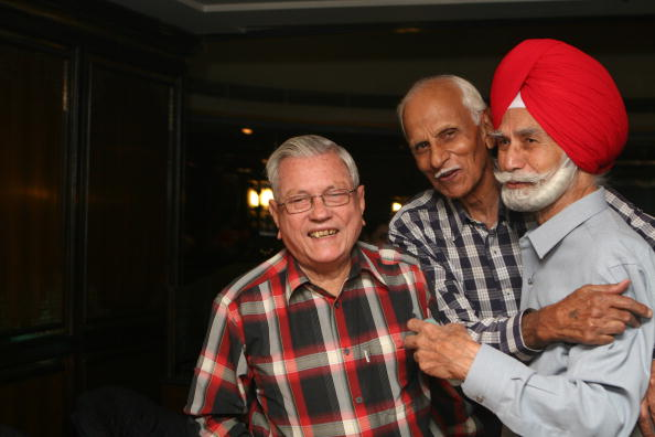 (R-L) Leslie Claudius with Balbir Singh at Ashoka Hotel during the felicitation of top 10 Sikh Hockey players of all time.