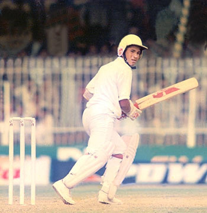 Sachins-test-debut-versus-Pakistan-in-1989