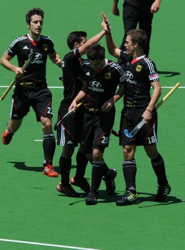 In a Pool A match, Germany held off the fast-finishing New Zealand after scoring all their goals in the first half