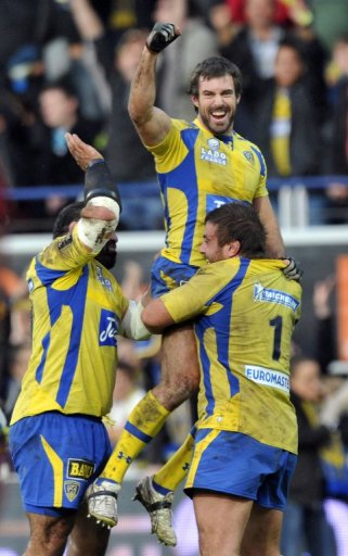 Clermont's win over Toulon left them just two points adrift of Top 14 leaders, Toulon