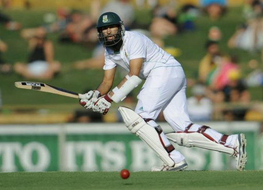 Amla (pictured) and skipper Smith shared in a thrilling 178-run stand for the second wicket