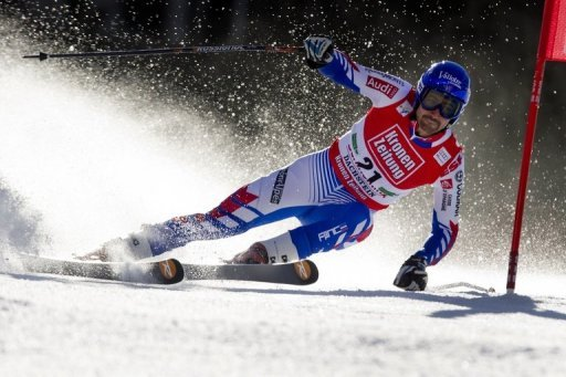 Slalom champion Grange is slowly recovering after undergoing an operation on his right knee at the end of March