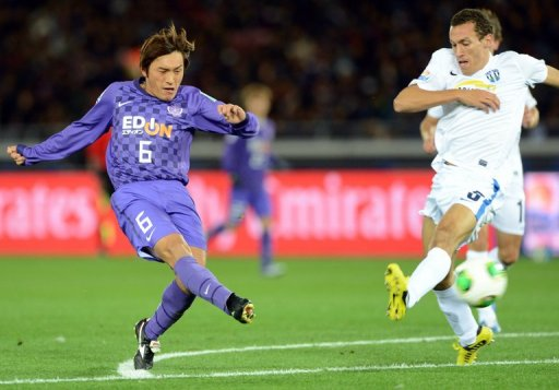 A dramatic strike from Hiroshima's Toshihiro Aoyama left the human eye in no doubt a goal had been scored