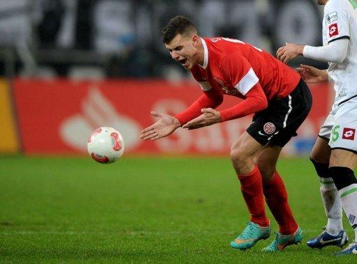 Mainz's Adam Szalai reacts during the match