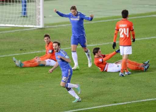 Fernando Torres (top centre) and Juan Mata (2nd left) in the Club World Cup semi-final in Yokohama on December 13, 2012