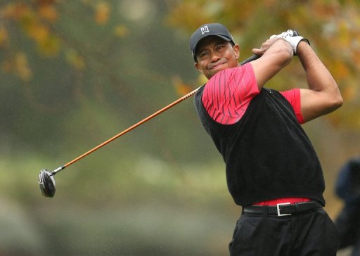 Tiger Woods hits his tee shot during the Tiger Woods World Challenge on December 2, 2012 in Thousand Oaks, California