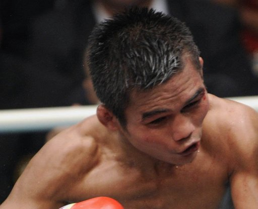 Thailand's Poonsawat Kratingdaenggym fights on October 2, 2010