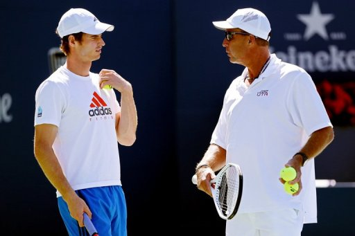 Andy Murray (left) talks with Ivan Lendl at Flushing Meadow, New York, on September 9, 2012