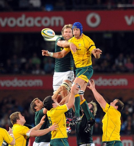 South Africa's Andries Bekker and Australia's Nick Phipps (R), pictured in Pretoria, on September 29, 2012