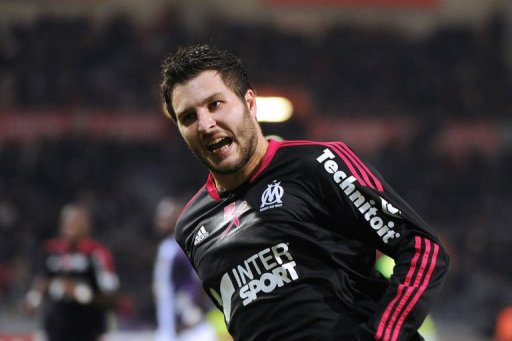 Marseille's forward Andre-Pierre Gignac celebrates after scoring in Toulouse on December 15, 2012
