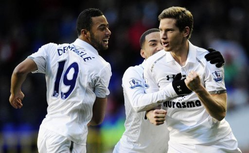 Jan Vertonghen celebrates scoring the only goal of the game against Swansea on December 16, 2012