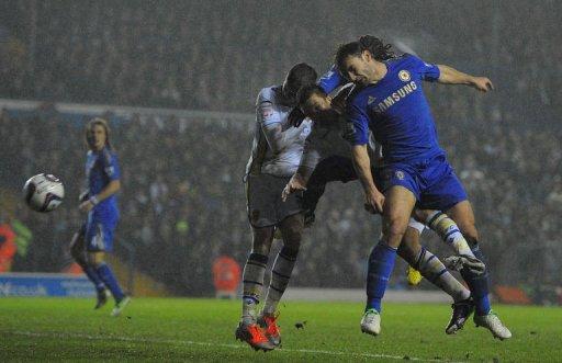 Chelsea's Serbian defender Branislav Ivanovic (R) scores the second goal