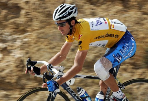 Spain's Roberto Heras rides during the 19th stage of the Tour of Spain on 16 September 2005