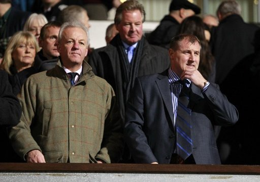 Paul Jewell (R) before a match against Arsenal at Portman Road, on January 12, 2011