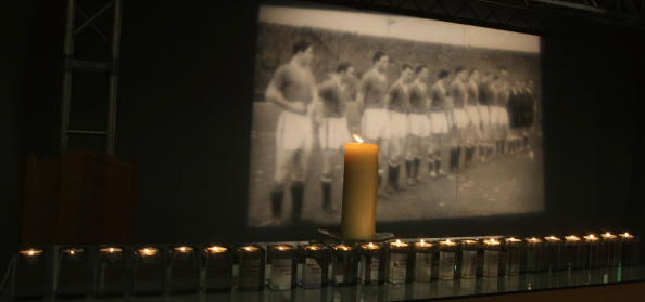 Manchester United mark 50th anniversary of Munich Air Disaster