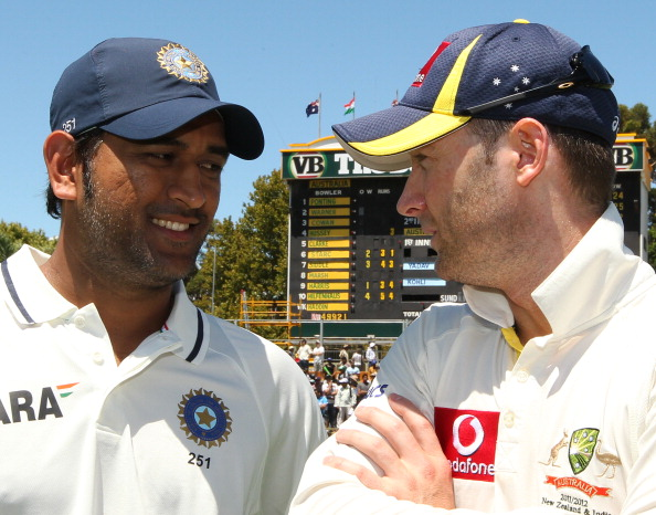 Indian captain MS Dhoni (L) and Australi