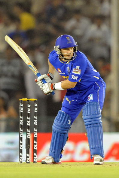 Rajasthan Royals batsman Brad Hodge play
