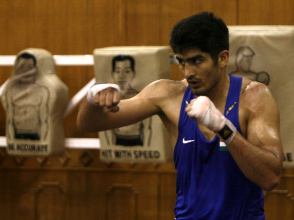 Vijender Singh  practice for London Olympics