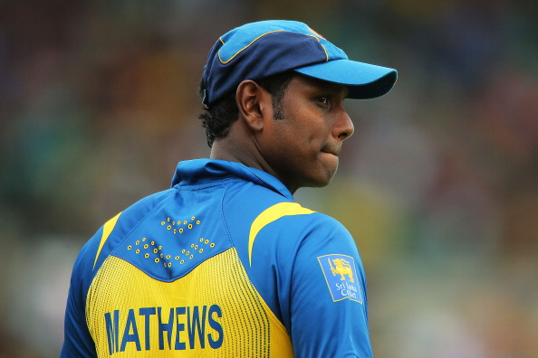 SYDNEY, AUSTRALIA - JANUARY 20:  Angelo Matthews of Sri Lanka looks dejected after his bowlers concede another boundry during game four of the Commonwealth Bank one day international series between Australia and Sri Lanka at Sydney Cricket Ground on January 20, 2013 in Sydney, Australia.  (Photo by Brendon Thorne/Getty Images)
