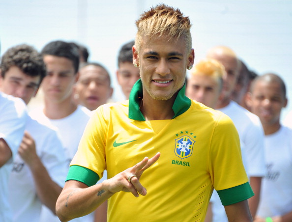 FBL-BRAZIL-WC2014-NEYMAR-UNIFORM