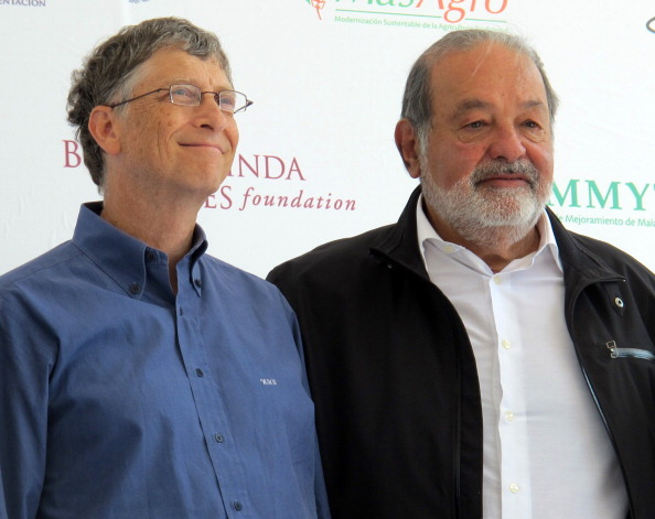 Carlos Slim Helu (R) with Chairman of Microsoft Bill Gates