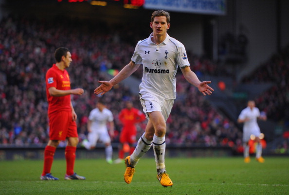 LIVERPOOL, ENGLAND - MARCH 10:  Jan Vertonghen of Tottenham celebrates scoring to make it 2-1 during the Barclays Premier League match between Liverpool and Tottenham Hotspurs at Anfield on March 10, 2013 in Liverpool, England.  (Photo by Michael Regan/Getty Images)