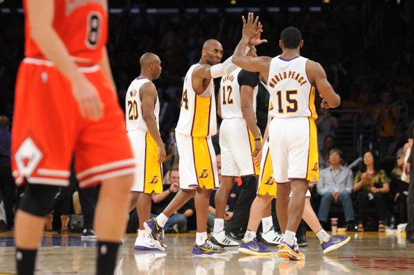 Chicago Bulls v Los Angeles Lakers