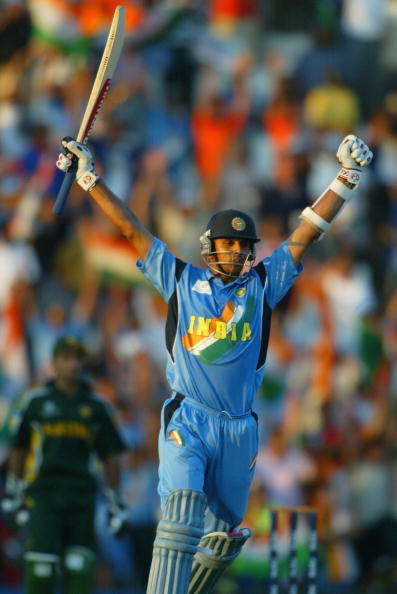 Rahul Dravid of India celebrates after hitting the winning runs