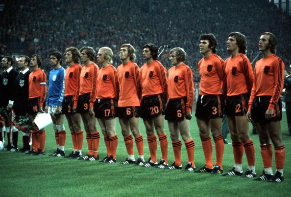 Football. 1974 World Cup Finals. Holland team group: l-r, Cruyff, Jongbloed, Haan, Keizer, Rijsbergen, Rep, Suurbier, Jansen, Hanegem, Krol, Neeskens.