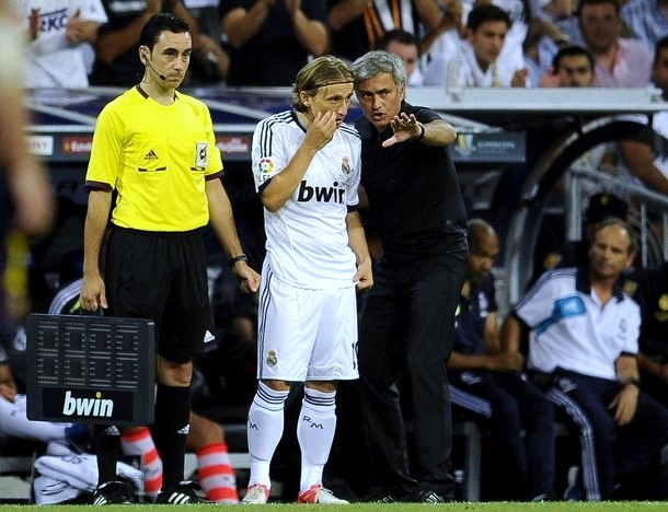 When Mourinho brings a player on, he actually has a plan. His introduction of Luka Modric in Real Madrid's clash with Man Utd changed the tie