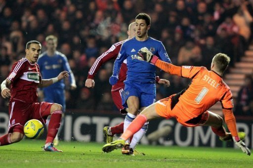 Chelsea's Eden Hazard (C) misses a chance to score against Middlesborough,  February 27, 2013
